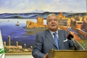 المشنوق في افتتاح معرض نبيل سعد : بيروت لا تموت ولا أحد يمكن أن ينهيها