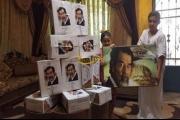 أردني يوزع التمور عن روح الرئيس العراقي الرّاحل صدام حسين