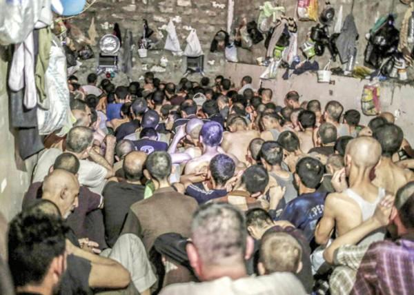 الانتهاكات بالموصل تزرع بذور حرب طائفية جديدة