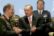خفايا يوم الإطاحة بقادة القوات التركية الثلاثة وتمهيد الطريق أمام القائد المستقبلي لأركان الجيش