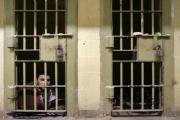 التعذيب في سجون المدن العراقية ينذر بتفجر الأوضاع الأمنية
