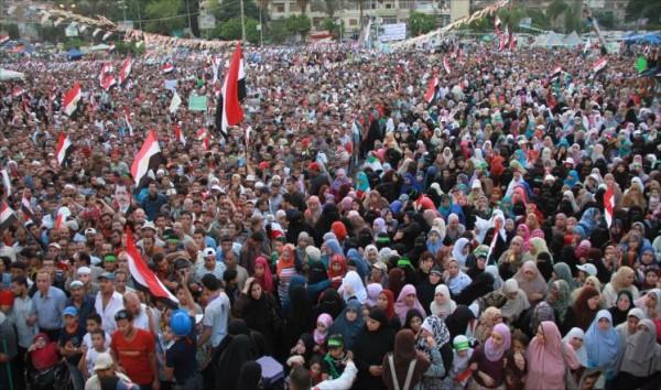 الإخوان يتمسكون بالسلمية بذكرى مجزرة رابعة