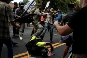 فورين بوليسي: تهديد أميركا يأتي من الأميركيين أنفسهم