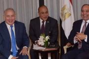السيسي ينفجر ضاحكاً في لقاء نتنياهو: 'تديني سيناء امتى'؟