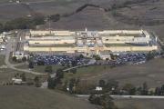 مقتل سجين وإصابة 8 في أحداث شغب بسجن في كاليفورنيا