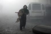 مقتل مدنيين بقصف روسي على إدلب والنظام يهاجم الغوطة