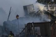 حريق يلتهم مسجداً بالسويد فجراً.. إمام المسجد لم يتمالك نفسه ففاضت عيناه بالدموع
