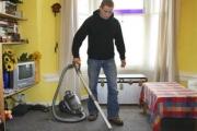 دراسة: القيام بالأعمال المنزلية يطيل العمر