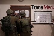 قوات الاحتلال تعتقل 24 فلسطينيًا وتُغلق 8 شركات إعلامية