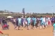 إعدام مشجع بدم بارد بعد مباراة لكرة القدم.. مسلح اقترب منه وقتله بالرصاص بعدما غضب منه (فيديو)