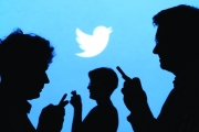 «تويتر» تختبر تجزئة التغريدات الطويلة