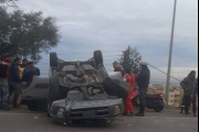 صور- تدهور سيارة على أوتوستراد الجية باتجاه صيدا