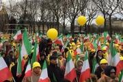 تظاهرات حاشدة في باريس ضد الانتهاكات الإيرانية