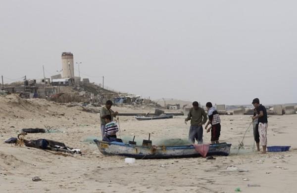 استشهاد صياد فلسطيني برصاص البحرية المصرية
