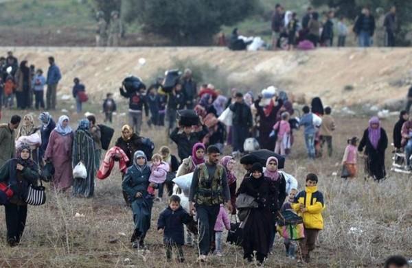 حركة نزوح كبيرة إلى شمال إدلب جراء هجمات النظام و'داعش'