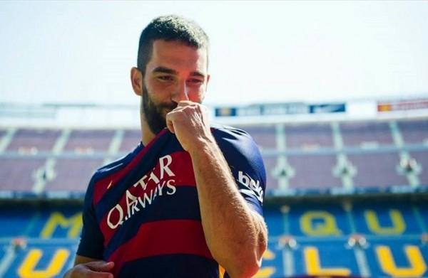 أردا توران يحسم مستقبله ويغادر برشلونة لهذا النادي