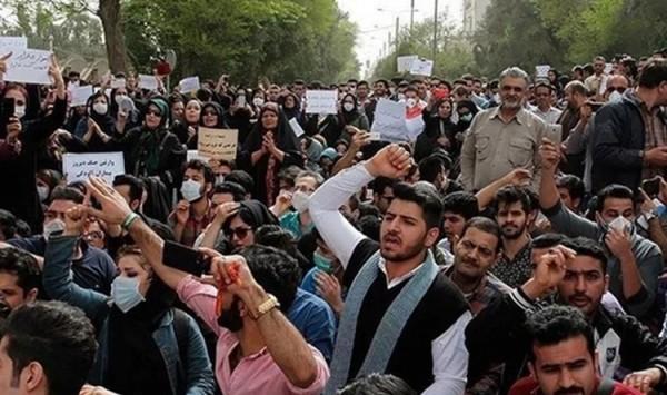 الإيرانيون خائبون… النظام يستثمر الأموال لدعم ميليشيات تزعزع الاستقرار في المنطقة