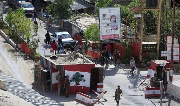 """الجيش اللبناني يزيد عدد عناصره حول مخيم """"عين الحلوة"""""""