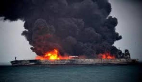 طهران تعلن انه لم يعد هناك امل في العثور على ناجين من حريق الناقلة النفطية الايرانية