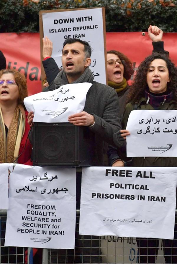 النظام الإيراني يشكو من تدخّل 'خارجي'!