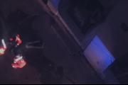بالصورة ... سقوط رجل من مبنى سكني