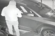 بالفيديو.. بأقل من خمس دقائق طارت السيارة ومعها 7 ملايين ليرة !