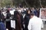 بالصورة - اهالي الموقوفين الاسلاميين يقطعون الطريق أمام سجن رومية