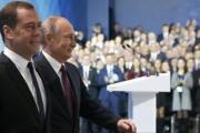 القوي وظله.. مفاتيح الكرملين بين بوتين وميدفيدف