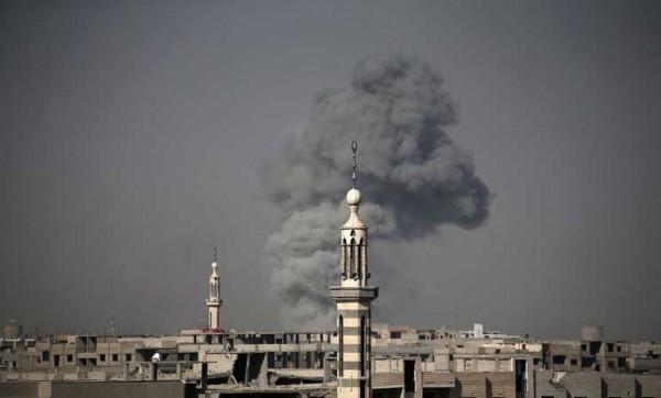 سوريا: 4 قتلى و22 جريحاً في قصف جوي على الغوطة الشرقية