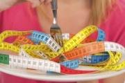 مترجم: لا يوجد دواء سحري أو حمية معجزة.. كيف يخدعك الإعلام بخصوص خسارة وزنك؟