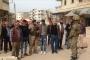 سكان عفرين يسلّمون 3 عناصر من 'الوحدات الكردية'  للقوات التركية
