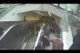 بالفيديو ... درج كهربائي يبتلع رجلا في تركيا