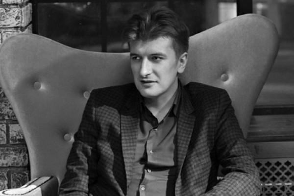صحفي روسي متخصص بكشف الجرائم 'ينتحر' بعد نشره تفاصيل خطيرة عن 'مرتزقة روس' في سوريا