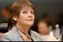 وزيرة التعليم الجزائرية تعتبر انتشار القمل بين التلاميذ ظاهرة عالمية!