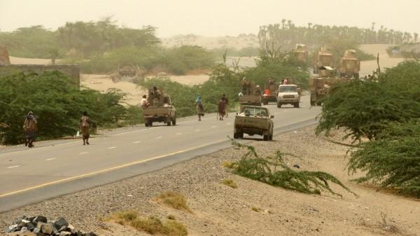 الحديدة.. مقتل قياديين حوثيين والميليشيات تفخخ الميناء