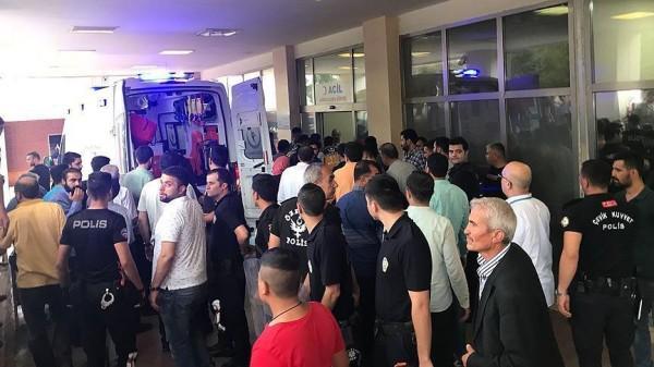 مقتل 3 وإصابة 8 آخرين في هجوم مسلح استهدف أنصار حزب العدالة والتنمية