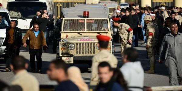 """""""الإبادة للجميع"""" : روايات مؤلمة من سيناء عن الحصار العسكري والتضييق الأمني"""