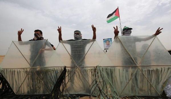 نشطاء فلسطينيون: سنمطر الاحتلال بآلاف الطائرات الورقية المشتعلة في عيد الفطر