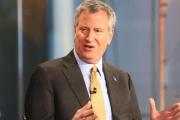 رئيس بلدية نيويورك مصدوم لنقل مهاجرين قاصرين الى المدينة دون علمه