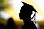 الشهادة الجامعية لم تعد مصدر فخر الشباب العربي