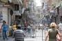 لبنانيون يستقوون على الغرباء الضعفاء