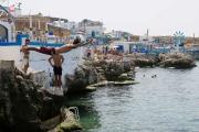العشوائيات تفسد اللوحة الجميلة لشواطئ لبنان