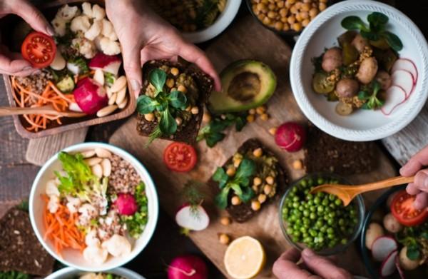هل يؤثر لون الطعام على شهية الإنسان؟