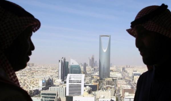 بلومبرغ: 3 أيام في الرياض لإدارة معركة النفط