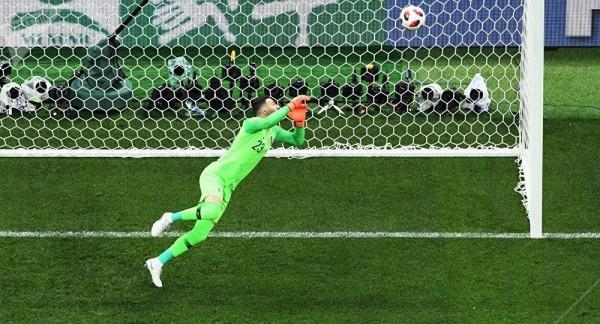 انتهاء الشوط الأول بتقدم انكلترا على كرواتيا 1 - 0