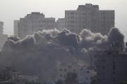 غزة تحت النيران ... تل أبيب تقرر التصعيد ضد القطاع  وفلسطينيون يردون بإطلاق قذائف على إسرائيل