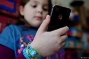دراسة تحذر من تأثير الأجهزة الإلكترونية على سلوكيات الأطفال