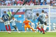 هدف بافارد في شباك الأرجنتين .. الأفضل في كأس العالم