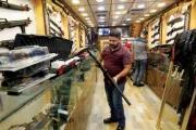 انتعاش متاجر السلاح في بغداد