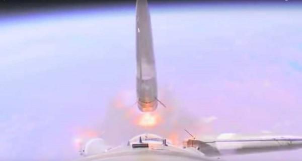 لحظة فشل صاروخ 'سويوز' الروسي.. ونجاة رائدي الفضاء